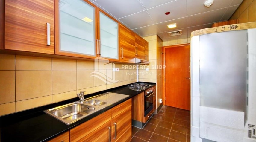 Kitchen-Huge 1+1 BR Apartment Ready to move in Now!