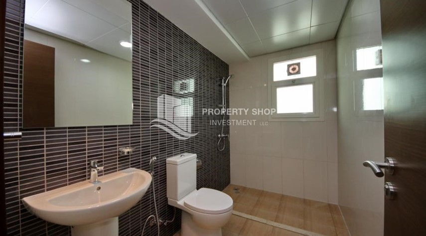 Bathroom-Luxury on your doorstep! 3+1 Villa with spacious garden.