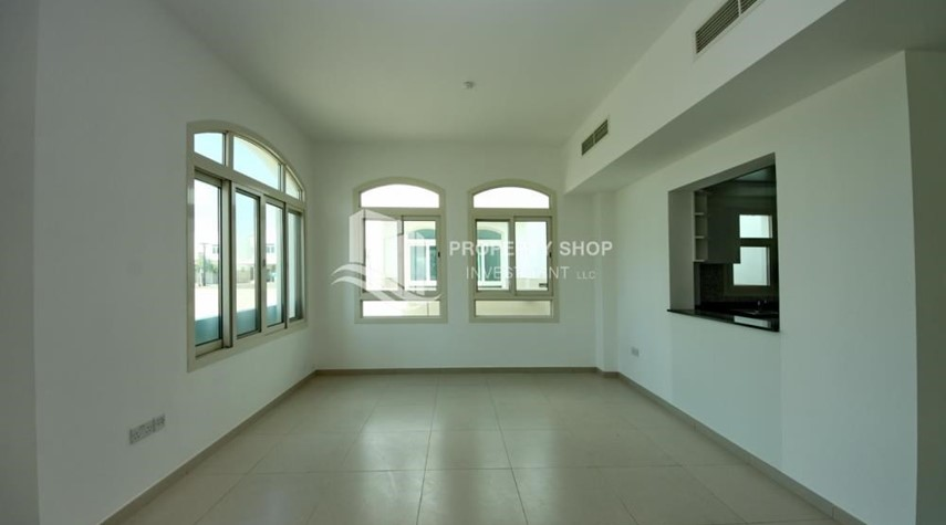 Dining Room-Luxury on your doorstep! 3+1 Villa with spacious garden.