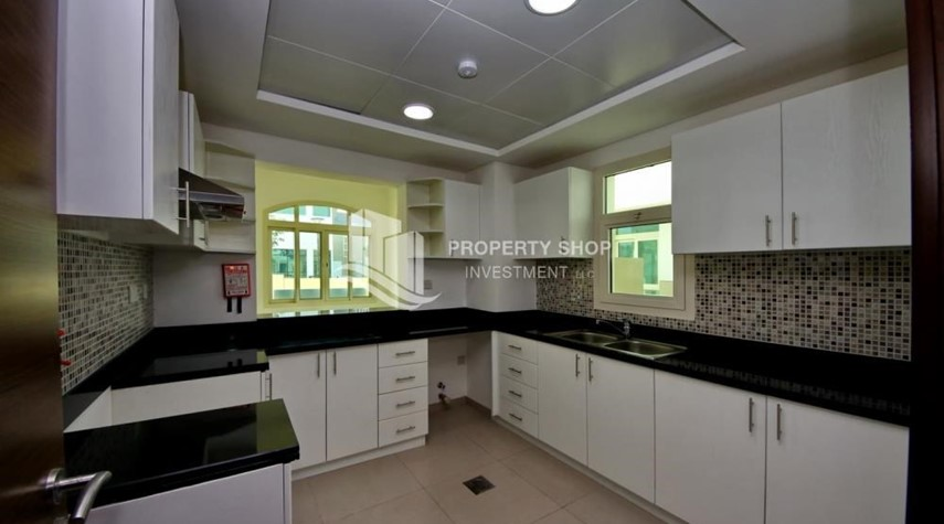 Kitchen-Luxury on your doorstep! 3+1 Villa with spacious garden.