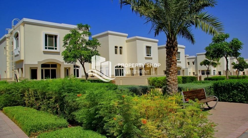 Property-Luxury on your doorstep! 3+1 Villa with spacious garden.