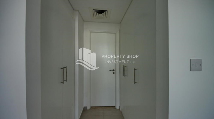 Built in Wardrobe-Spacious Terrace Apt with walk in closet.