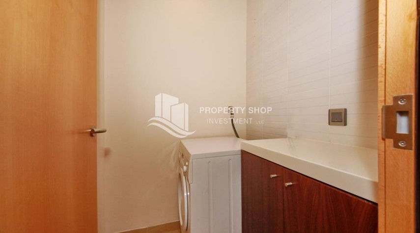 Laundry Room-4bd townhouse front row with waterfront for sale in Al muneera