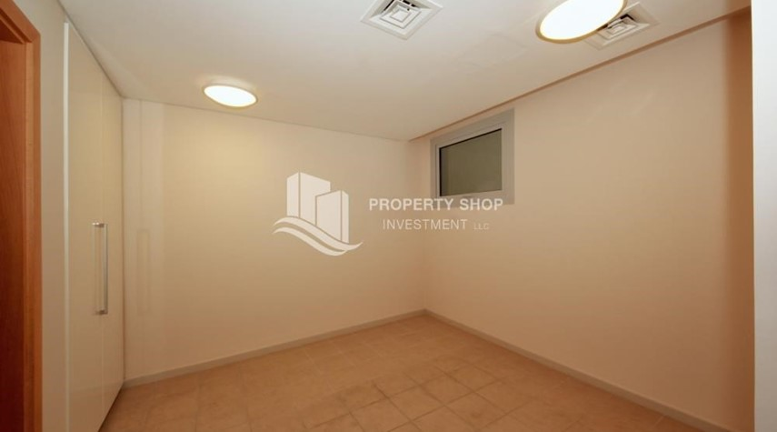 Maid Room-4bd townhouse front row with waterfront for sale in Al muneera