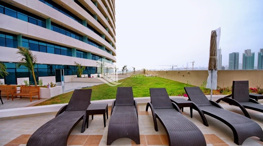 Community-Available now Sea view Huge Apt w/ balcony.