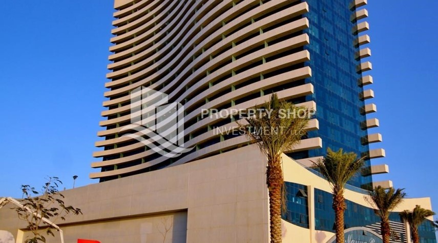 Property-Available now Sea view Huge Apt w/ balcony.
