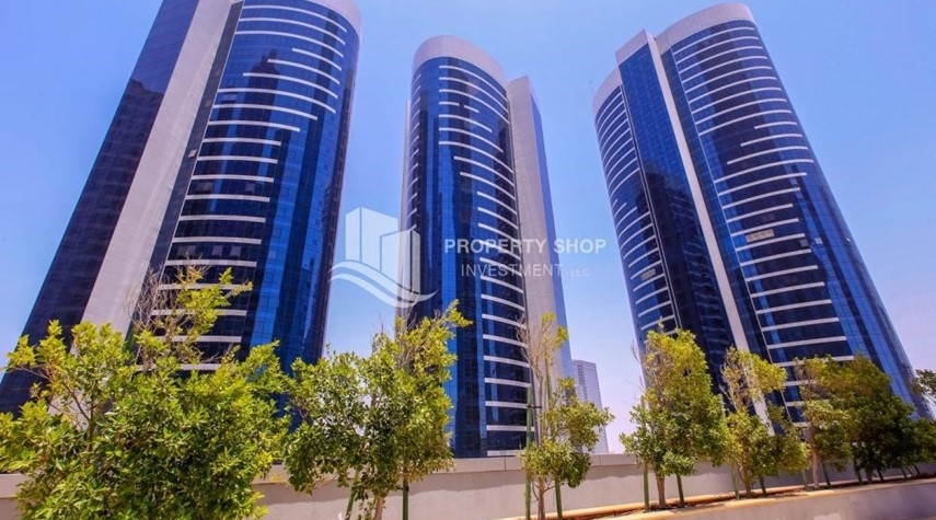 Property-Gorgeous Studio apartment for sale in Hydra Avenue Tower.