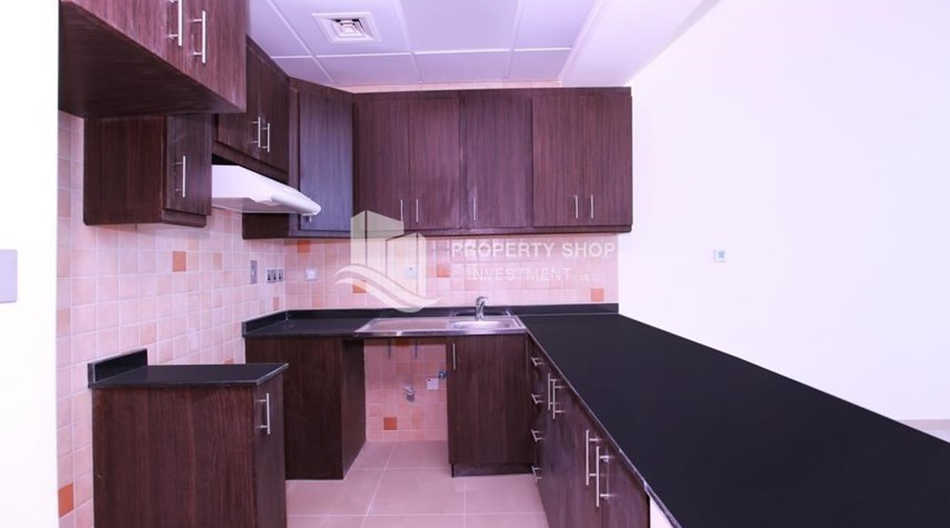 Kitchen-Studio Apt with modern facilities, vacant for rent