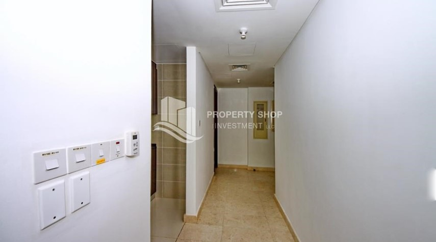 Hall-Vacant 1BR Apt, High floor  with Balcony + Walk-in Closet.
