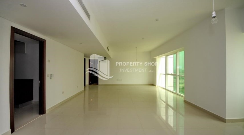 Dining Room-Vacant 2BR Apt on Mid-floor offered for 4 Cheques!