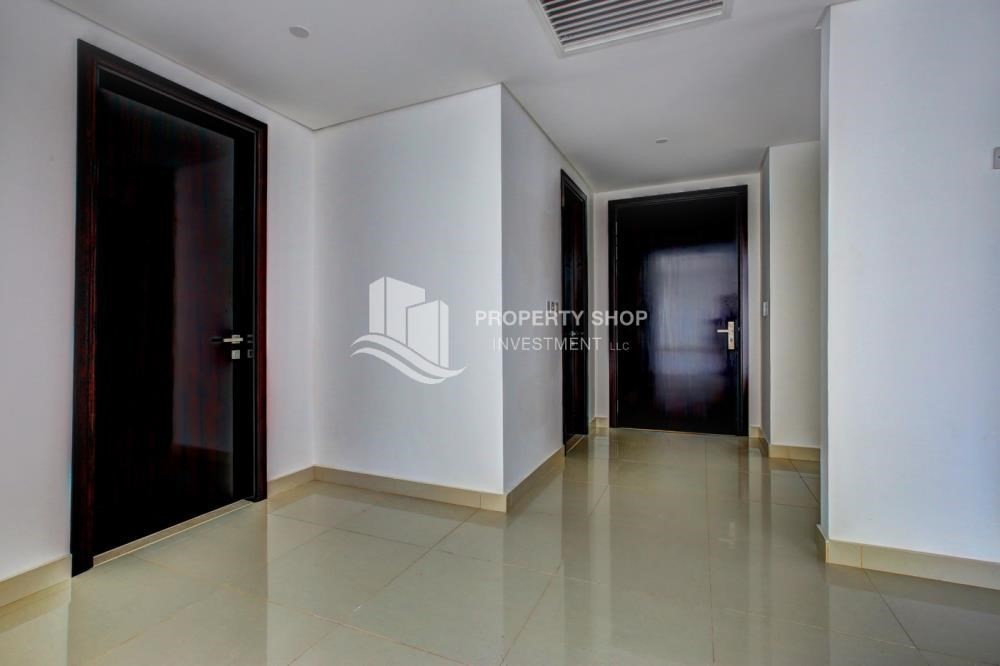 Foyer-Hot deal! 3BR+ maid APT with Full Marina View