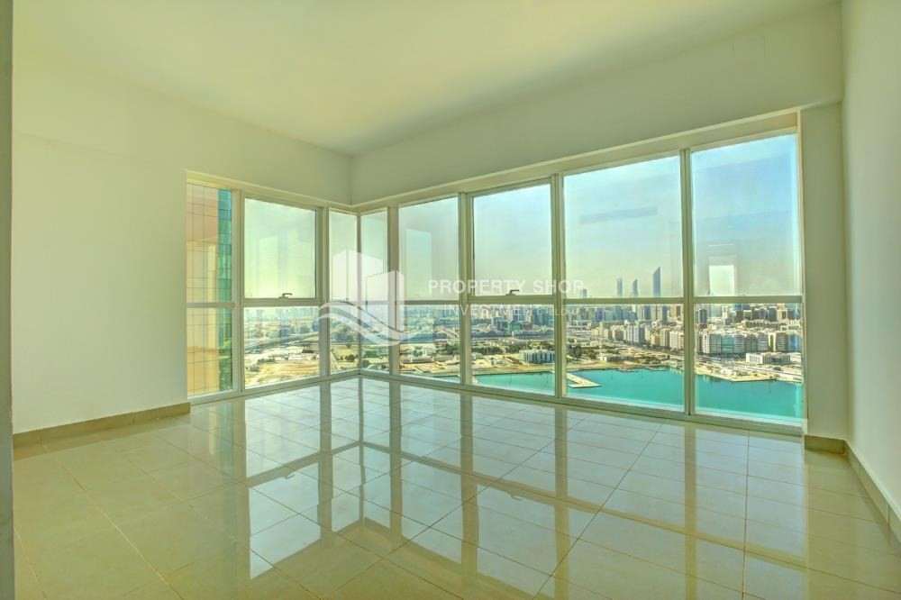 Master Bedroom-Hot deal! 3BR+ maid APT with Full Marina View