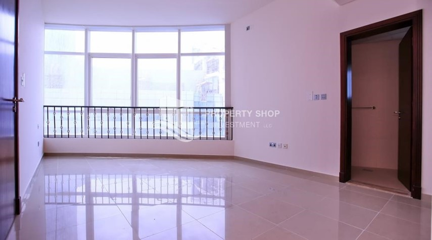 Bedroom-Spacious 2BR Apt with High Investment Returns.