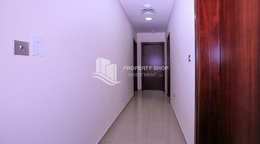 Corridor-Spacious 2BR Apt with High Investment Returns.
