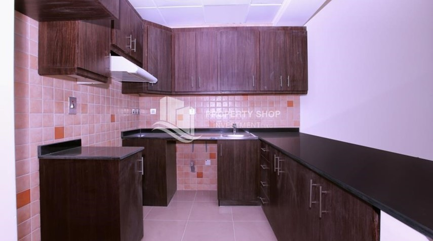 Kitchen-Vacant Studio in Hydra Avenue with pleasant sea view.
