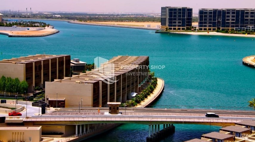 Community-A Prestigious 4BR Townhouse plus 2% Rent Free + 1 Month Rent Free in Al raha Beach!