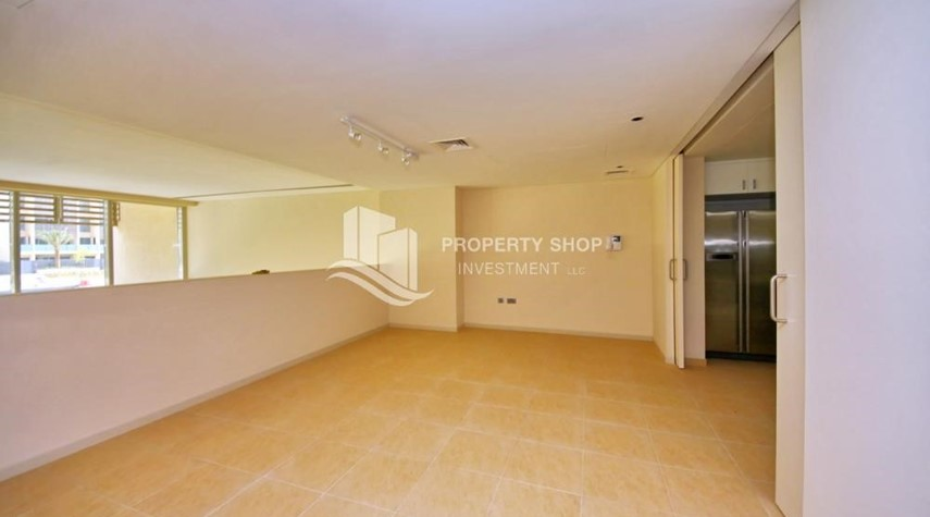 Dining Room-A Prestigious 4BR Townhouse plus 2% Rent Free + 1 Month Rent Free in Al raha Beach!