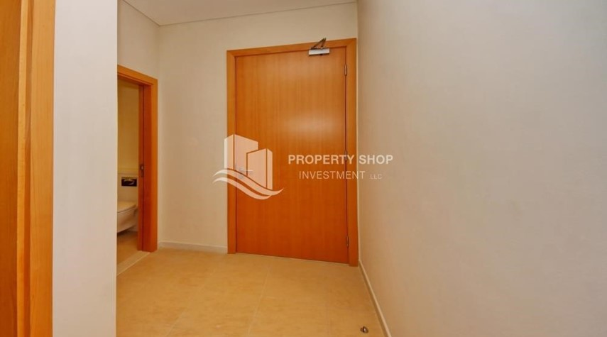 Foyer-A Prestigious 4BR Townhouse plus 2% Rent Free + 1 Month Rent Free in Al raha Beach!