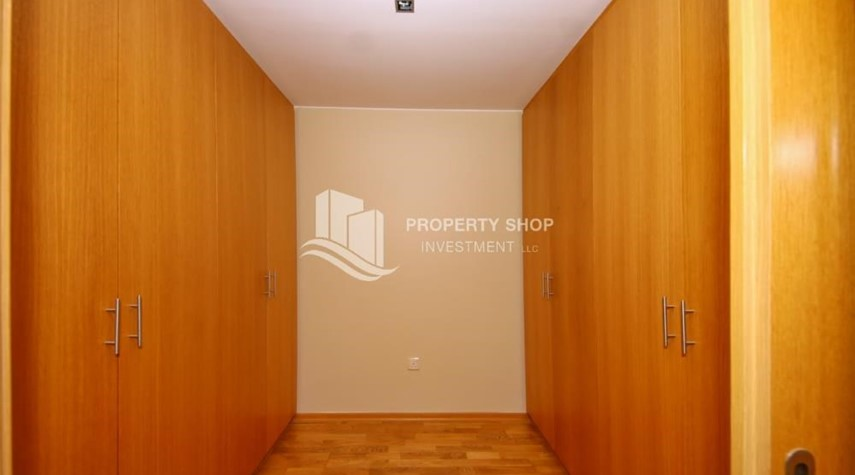 WalkIn Closet-High End Corner Villa with Family Living