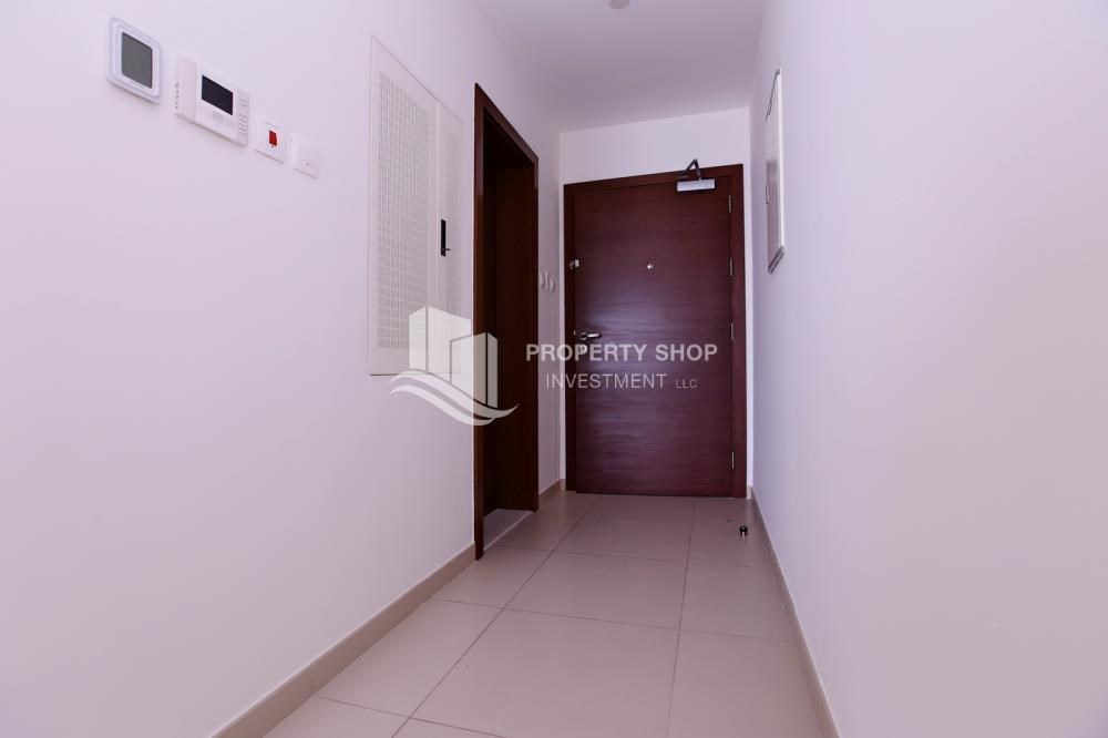 Apartment For Rent In Foyer Infinity : Studio apartment for rent in the arc al reem island