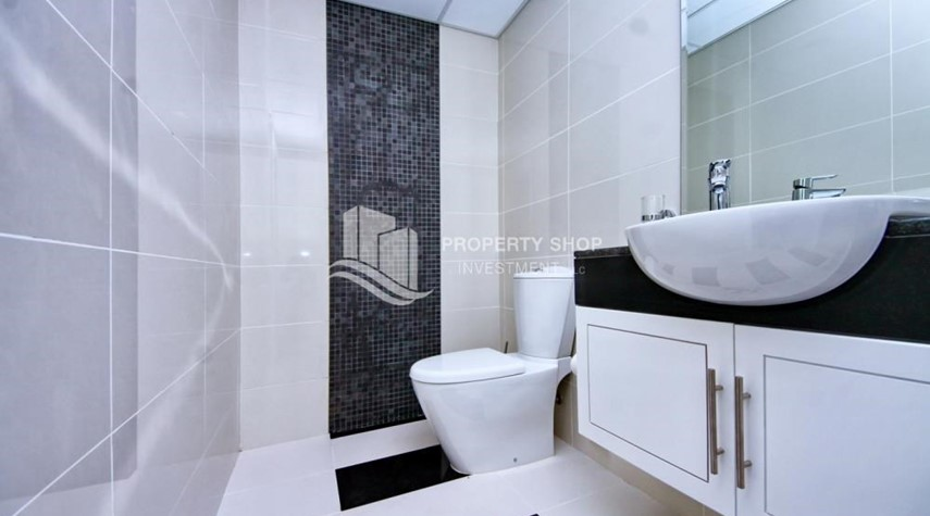 Powder-Sea-city view 1BR apt w/ built in cabinet for sale in Marina Bay.