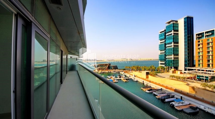 Balcony- 2 bedrooms with an  amazing view  in al bandar for sale