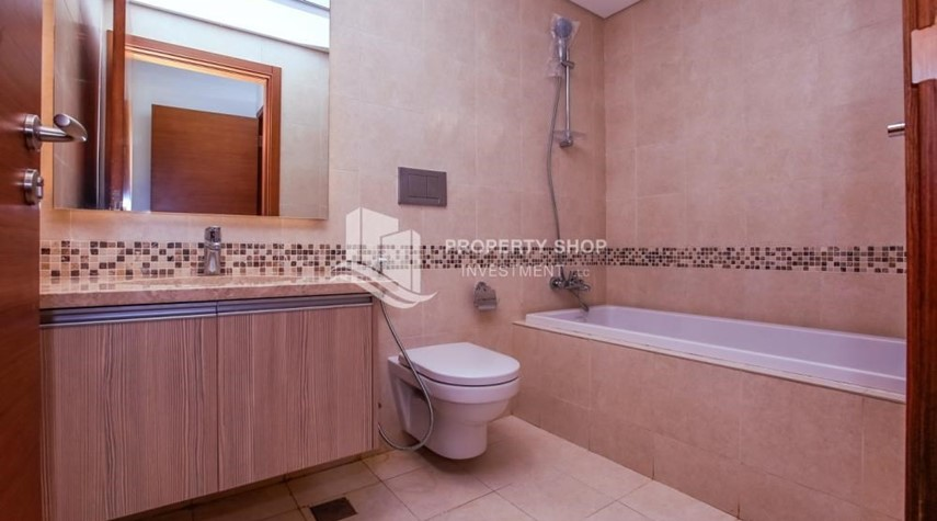 Bathroom-3 bedroom apartment for sale in Ansam.