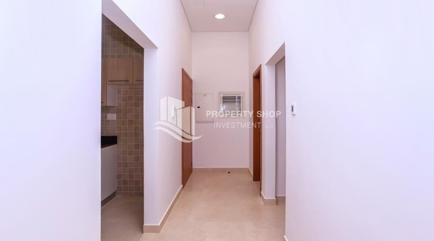 Foyer-3 bedroom apartment for sale in Ansam.