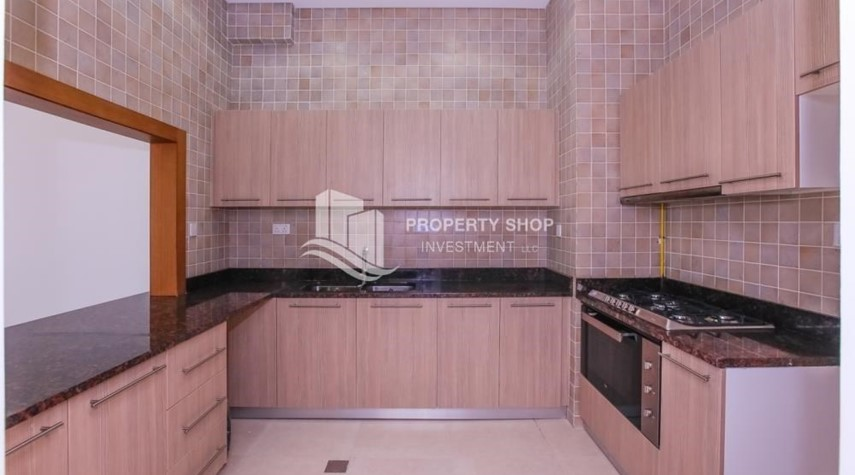 Kitchen-3 bedroom apartment for sale in Ansam.