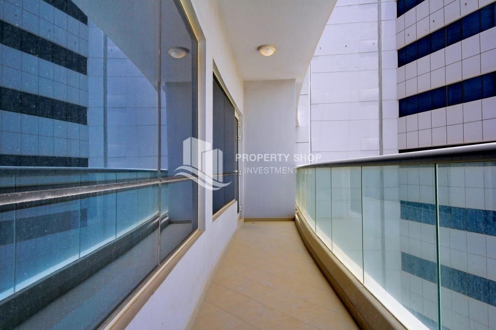 Balcony-High floor 1BR Apt with Luxury Facilities.