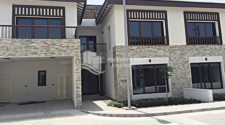 Property-Brand new Villa with Beach Access