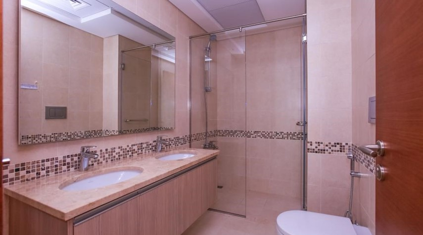 Master Bathroom-Experience luxury in this exquisite property in Ansam.