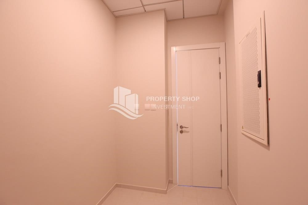 Maid Room-Luxurious 3+M BR Apt with Private Terrace/Garden.