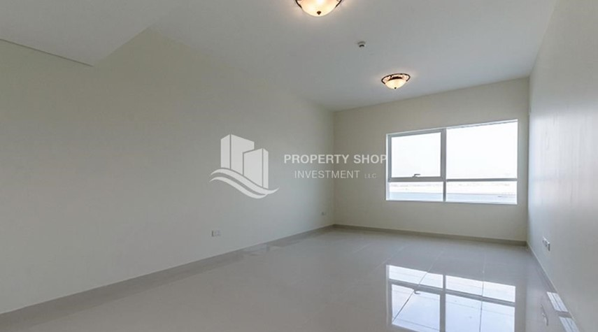 Living Room-Brand New Huge Apt with full facilities