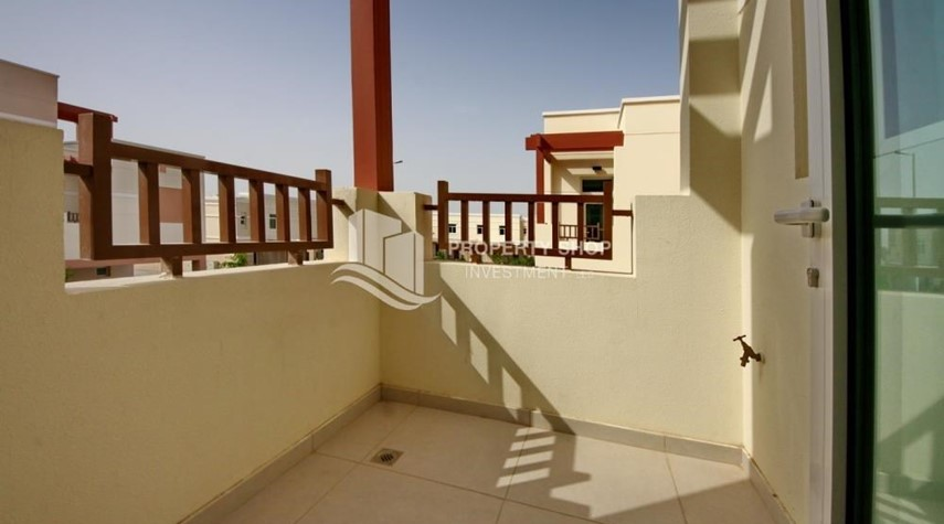 Balcony-Terraced apartment with full facilities.