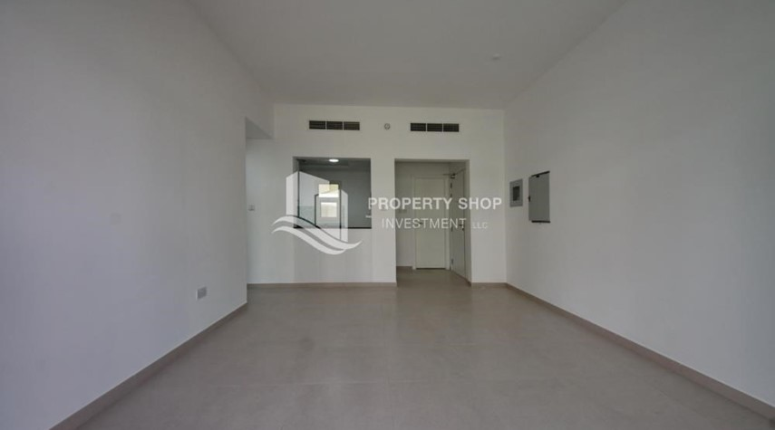 Dining Room-Terraced apartment with full facilities.