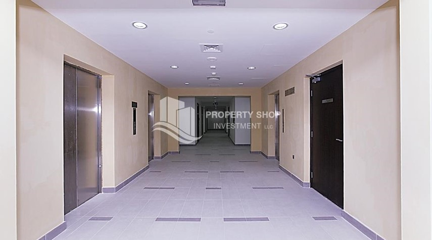 Facilities-Hot Deal! 1BR Apt in Marina Bay City of Lights