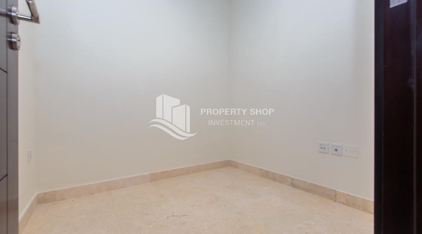 Store Room-1 bedroom apartment for rent