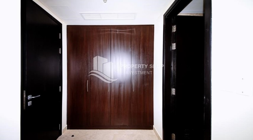 Built in Wardrobe-2 bedroom Apartment at Al Reem Island FOR RENT