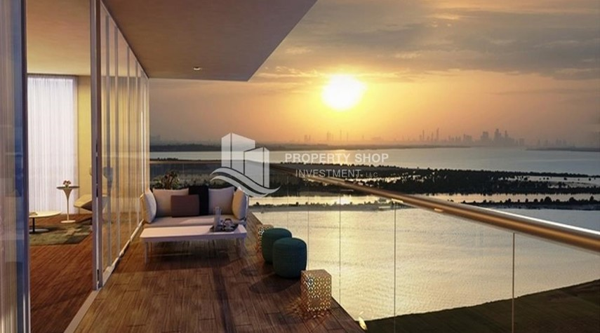 Balcony-Selling at original price full golf and sea view