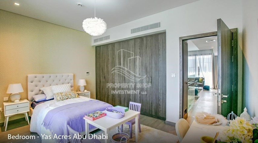 Bedroom-Tropical style townhouse. Perfect place to buy! 10% Downpayment and 90% Handover.