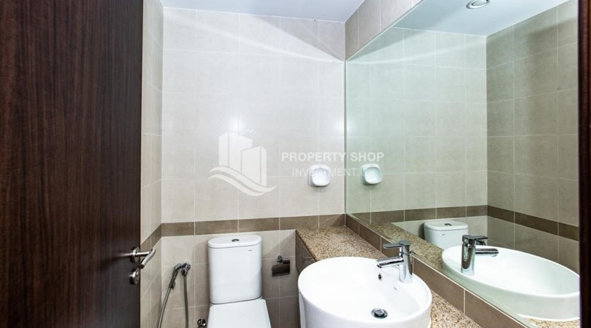 Bathroom-1 Bedroom Apartment For Rent In City Of Lights