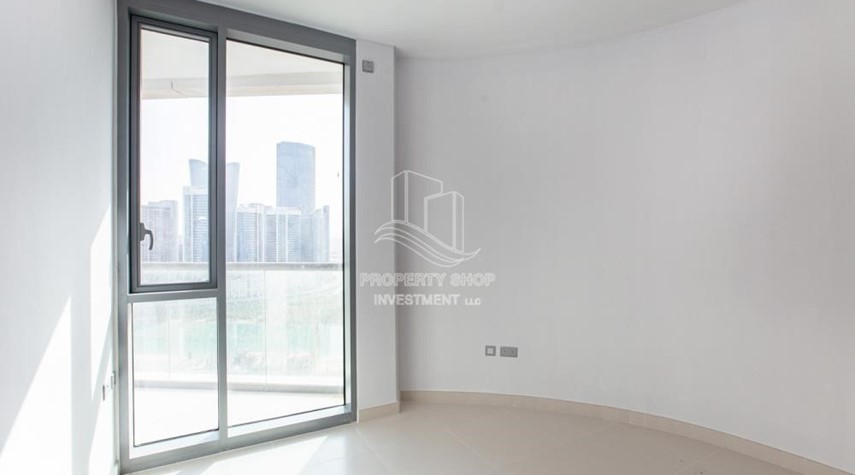 Bedroom-3+1 apartment (corner unit) in Meera Tower available for rent immediately!