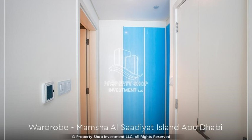 Built in Wardrobe-1br loft in a beach front community. book now!