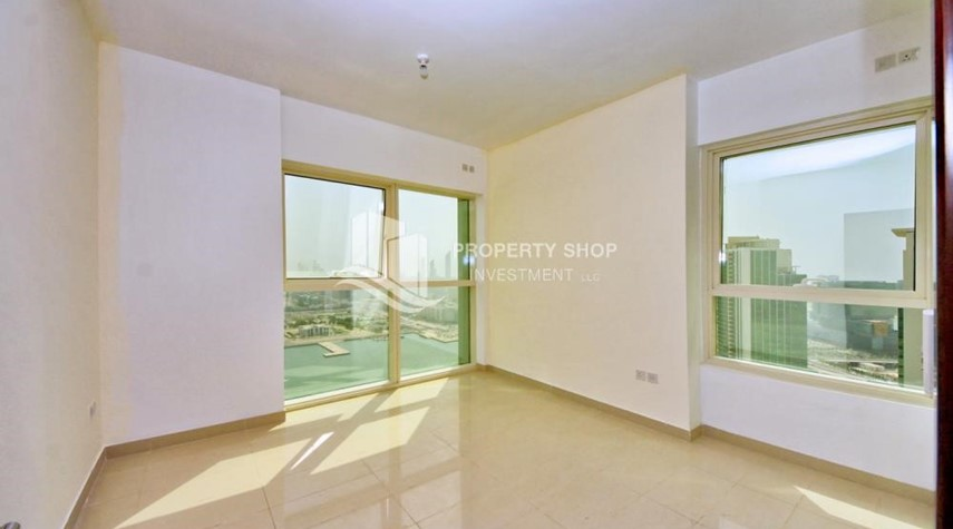 Master Bedroom-High floor 2BR Apt with sea view.