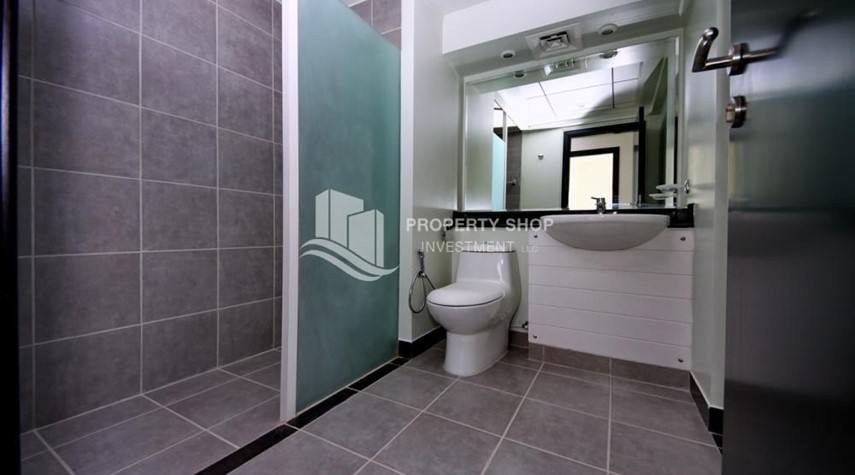 Bathroom-2BR in Alreef Downtown available for sale!!