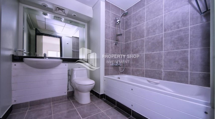 Master Bathroom-2BR in Alreef Downtown available for sale!!
