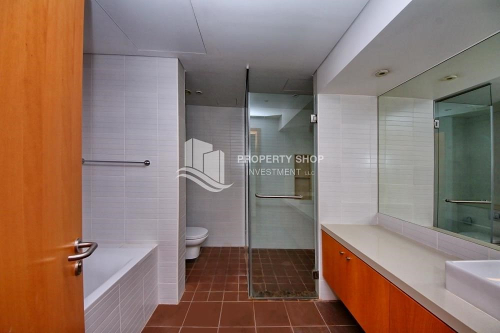 Master Bathroom-Hot Deal! 3+Maids Room with Garden View.